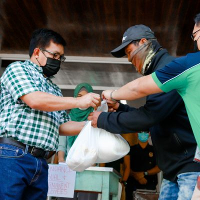 MSU-GSC distributes food packs to all employees